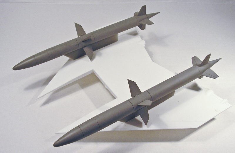 MST48031 English Electric Blue Water TSR.2 Missiles
