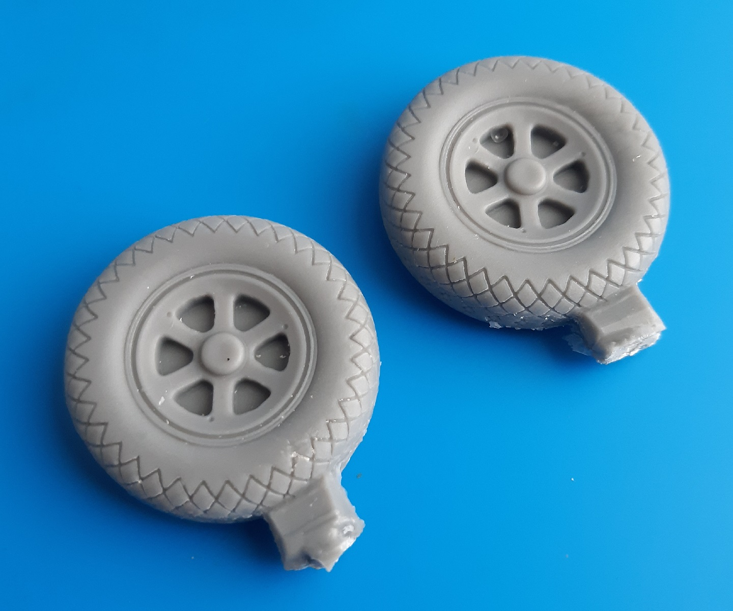MST24014 Republic P-47 Thunderbolt Weighred Wheels Spoked