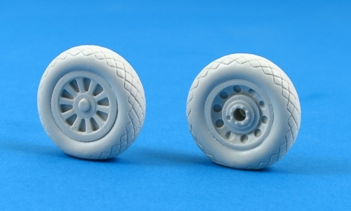 MST32010 North-American P-51D Mustang Weighted Resin Wheels DISCONTINUED - LAST 2 SETS