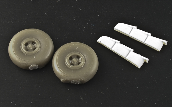 MST48017 Fairey Fulmar Weighted Wheels & Hollowed Exhausts