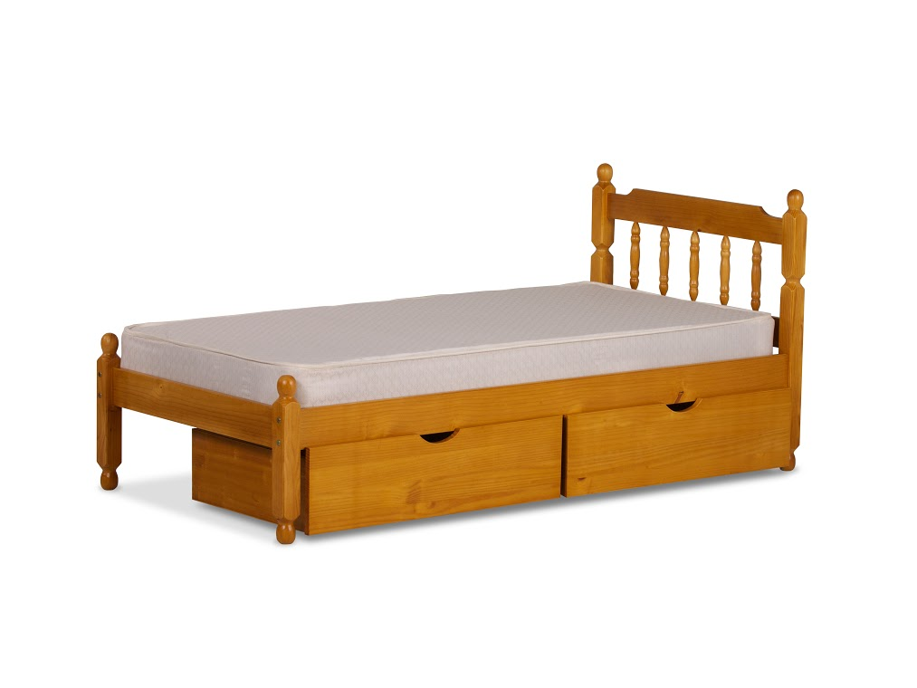 4FT SPINDLE BED IN HONEY