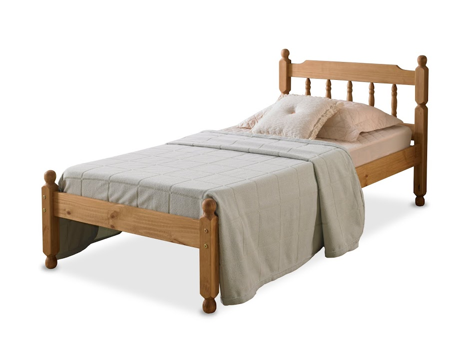 COLONIAL SPINDLE BED IN WAXED PINE