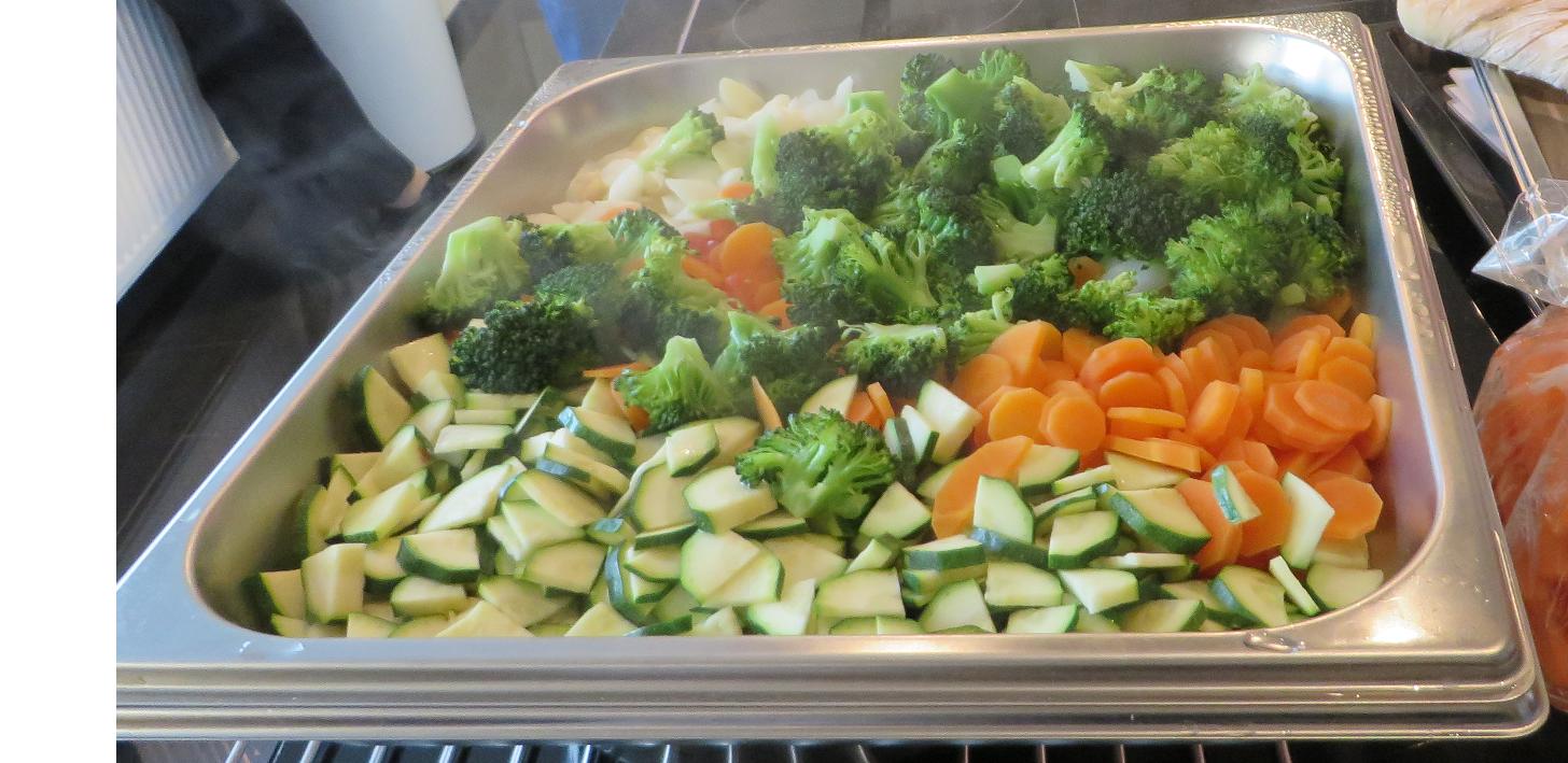 Verschieden Gemüse aus dem Kombidampfgarer