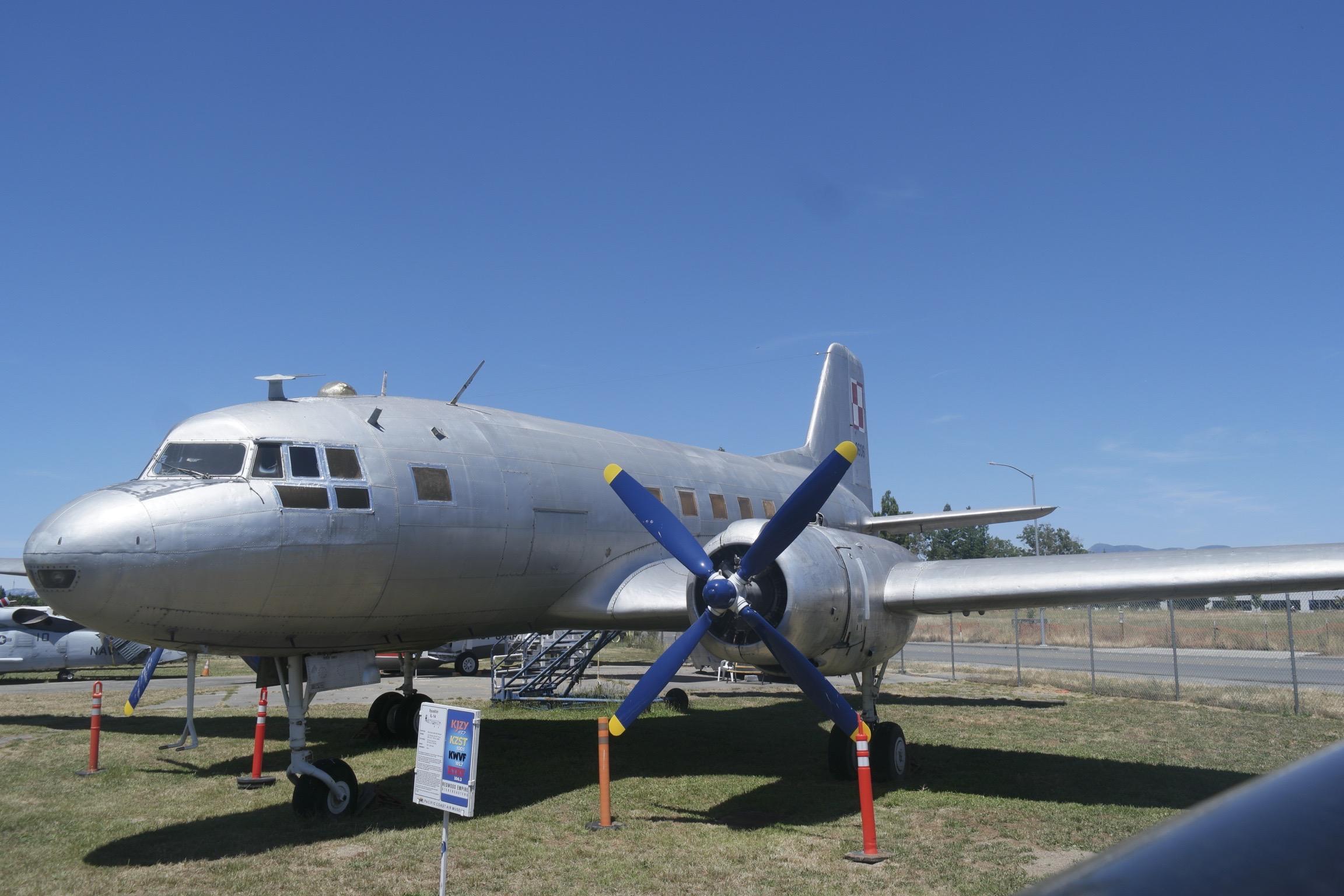 IL-14 Santa Rosa