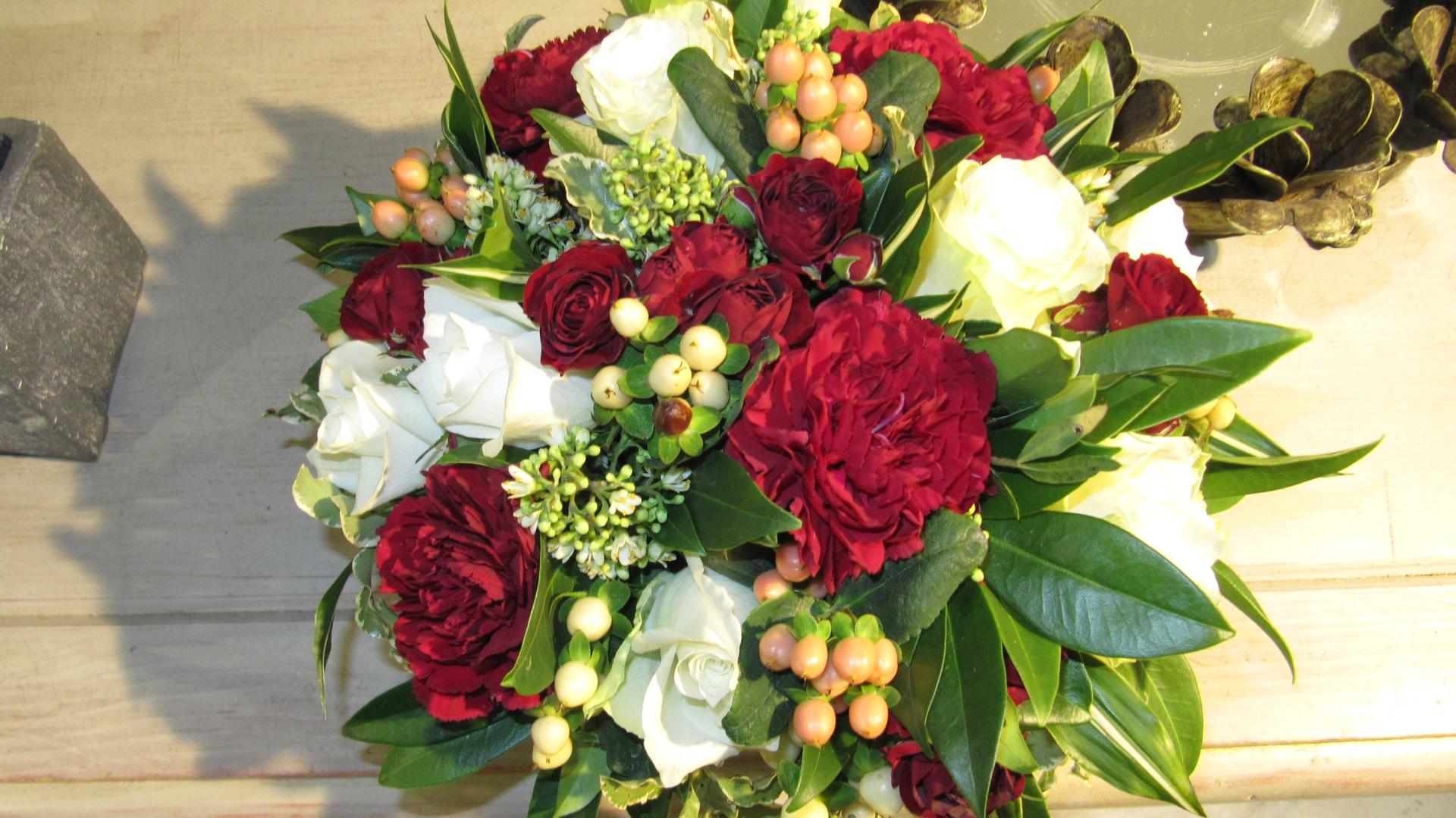 Bouquet rouge et blanc (BN-1)