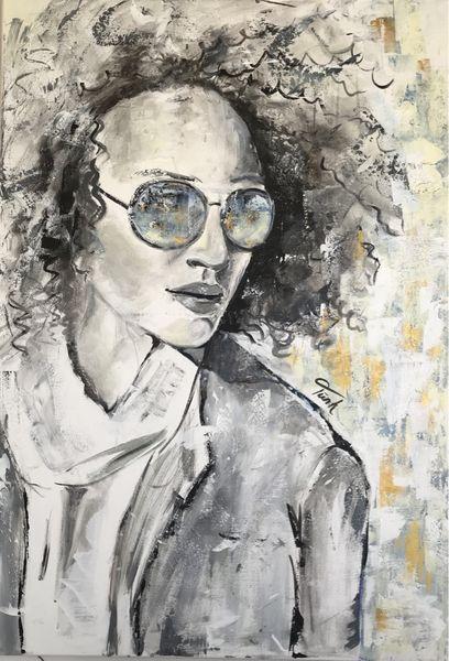 02 Portrait Frau mit Sonnenbrille