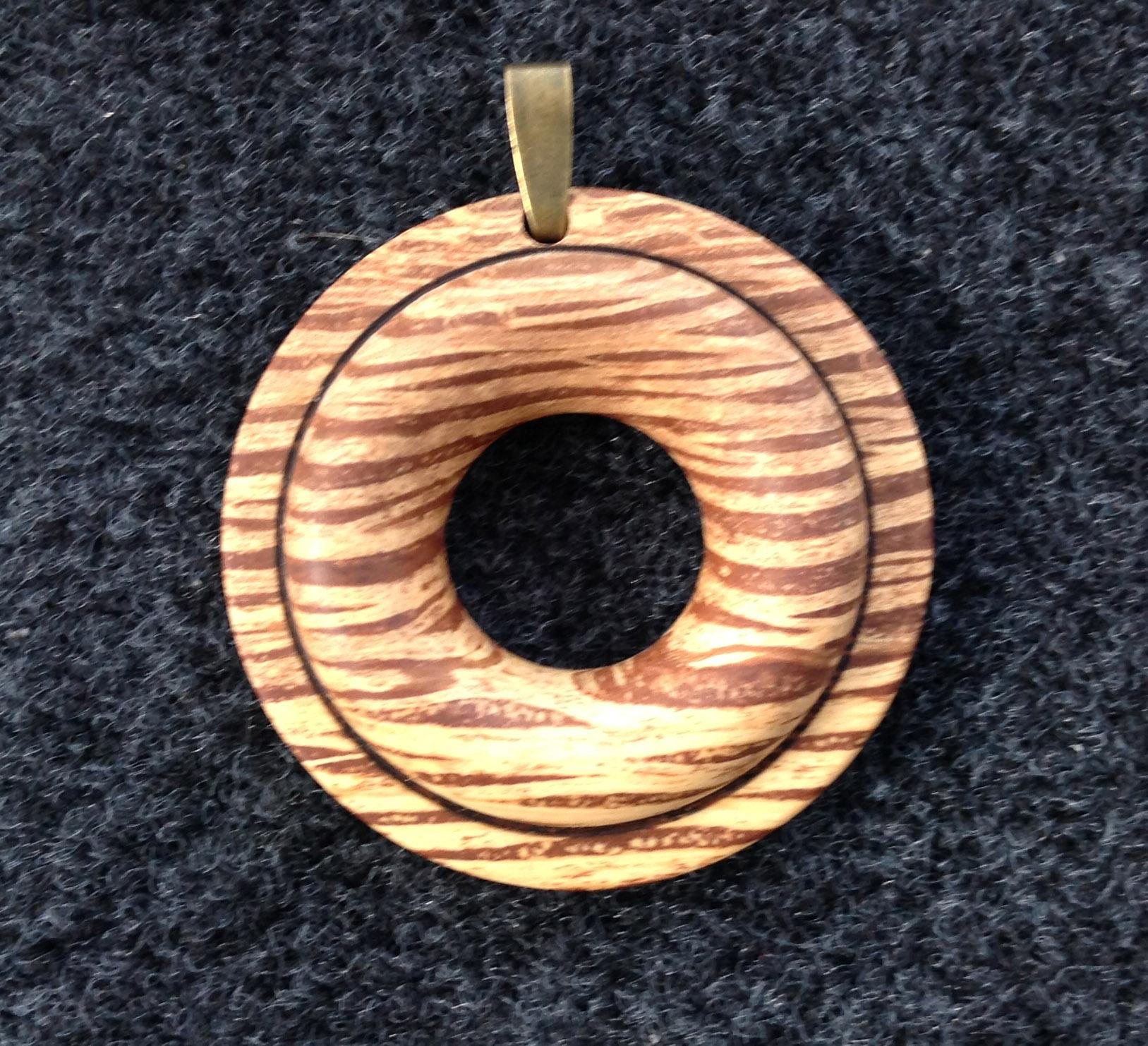 Holm oak pendant