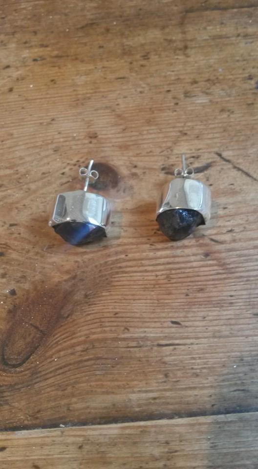 Amethyst rough stone stud earrings