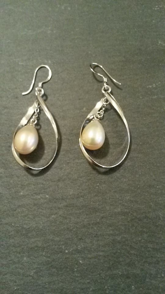 Pink pearl drop & hoop earrings