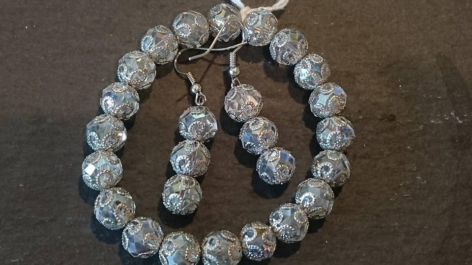 Bracelet & earrings set