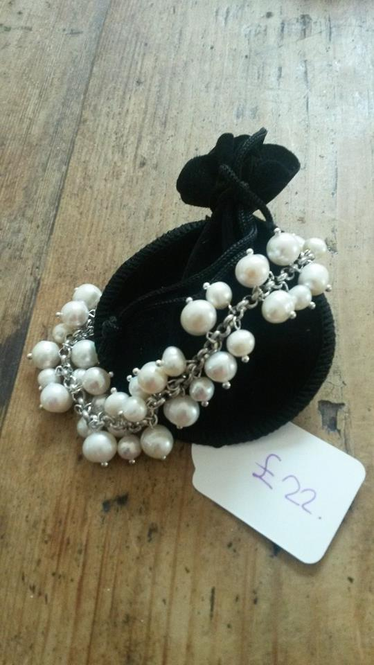 White dangly pearl bracelet