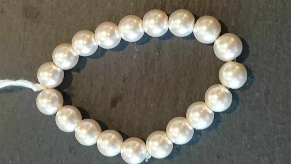 Mock pearl bracelet