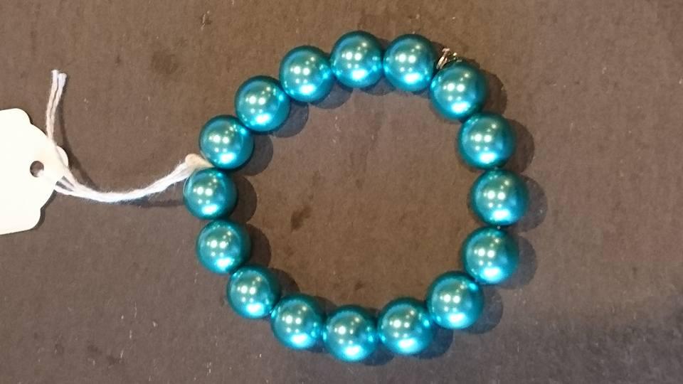 Turquoise mock pearl bracelet