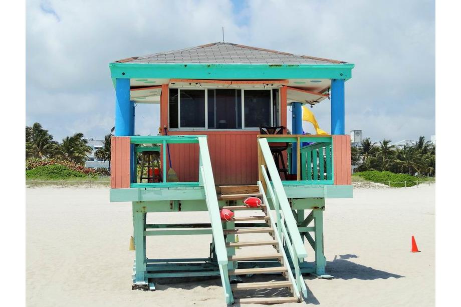 post de surveillance shelter lifeguarg plage usa