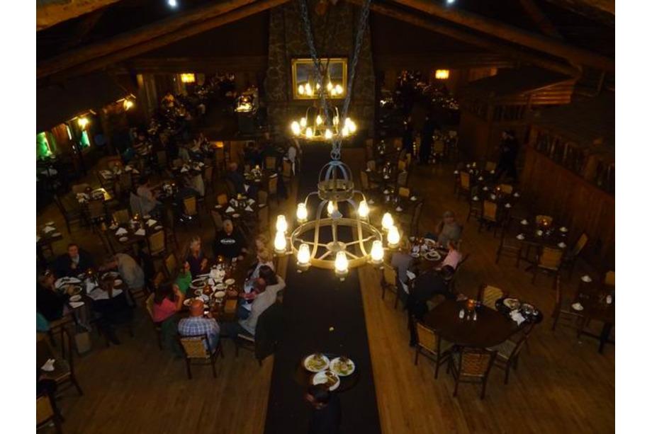 Old Faithful Inn Yellowstone
