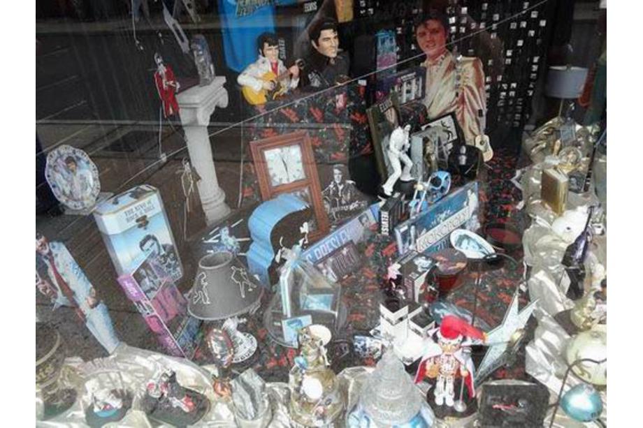 Souvenirs d'Elvis dans les boutiques de Memphis