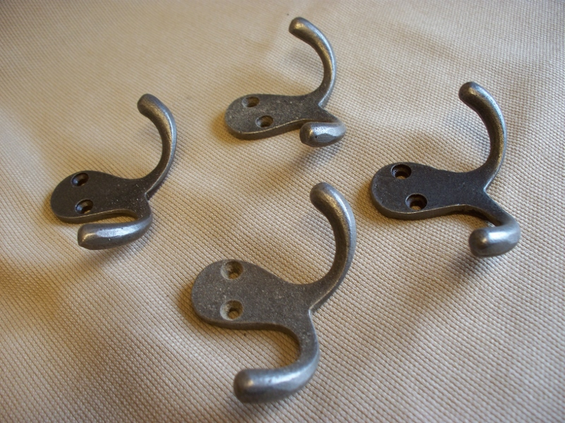 CAST IRON ANTIQUE double robe hook