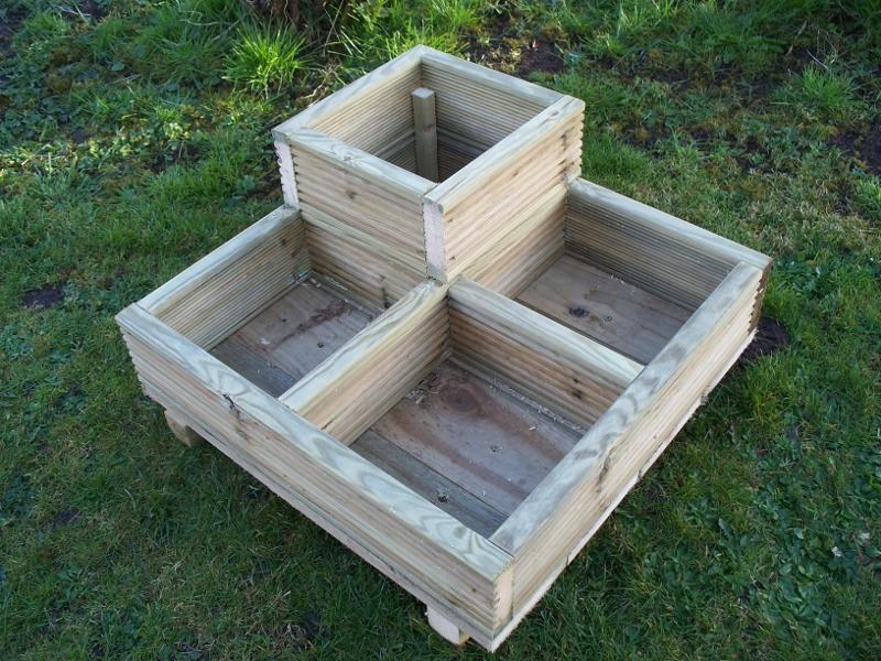 Square Corner decking planter