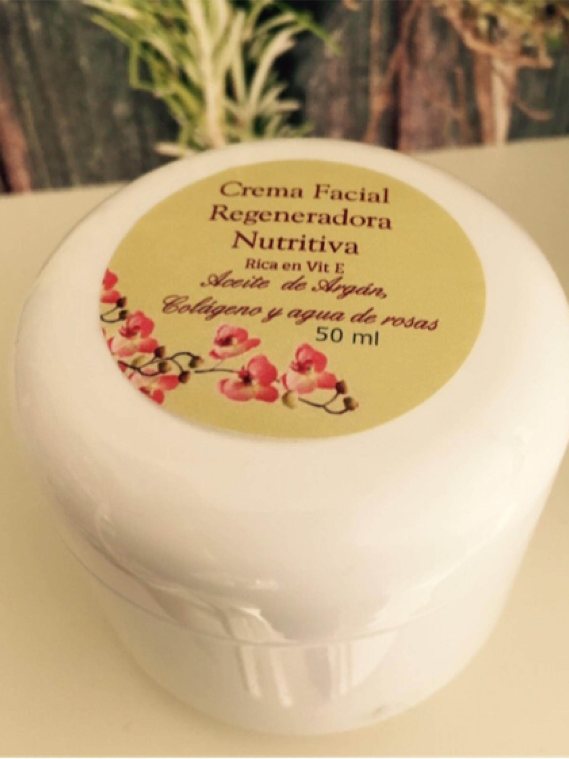 Crema Facial de Rosas para pieles mixtas