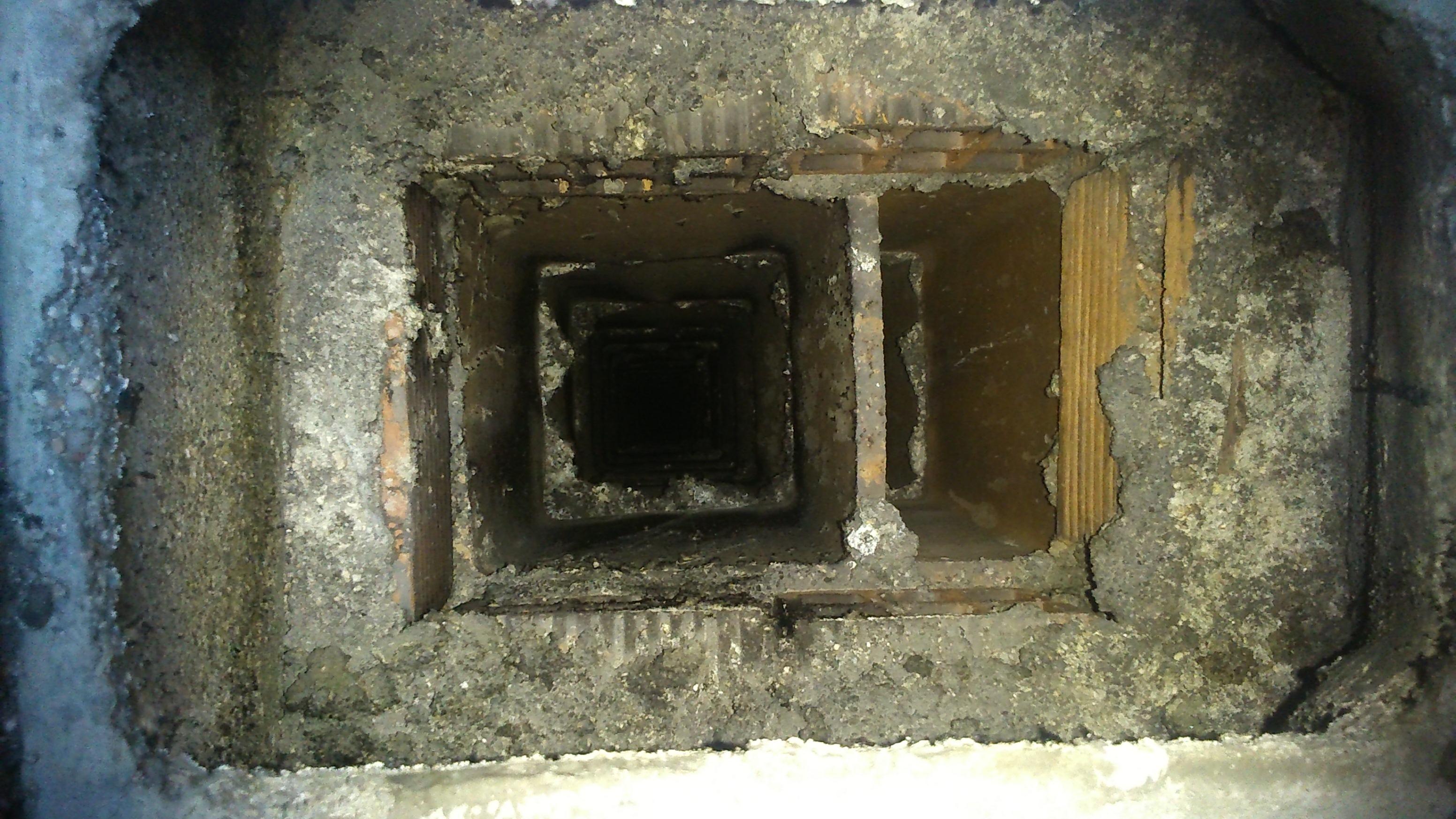 Montaje conducto y extractores limpieza comunidades - Limpieza de chimeneas ...