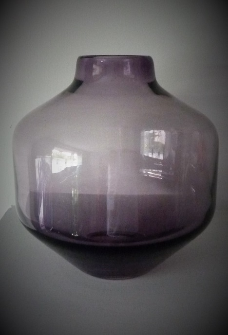 Wedgwood Ronald Stenett-Willson Amethyst Angular Glass Vase Pattern RSW/10