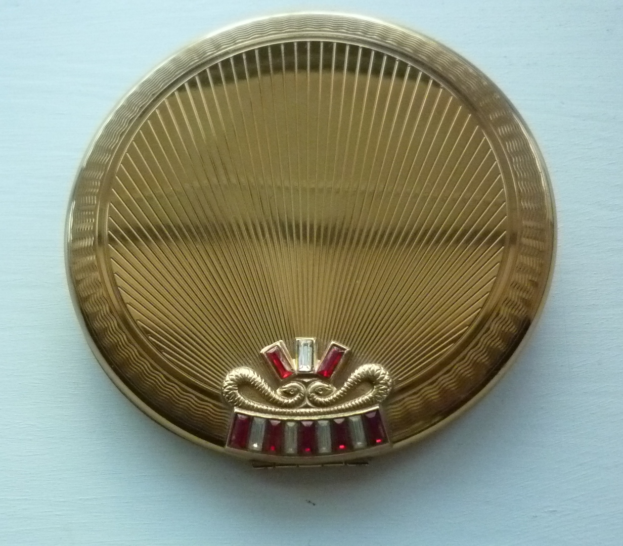 Vogue Jewelled Crown Powder Compact