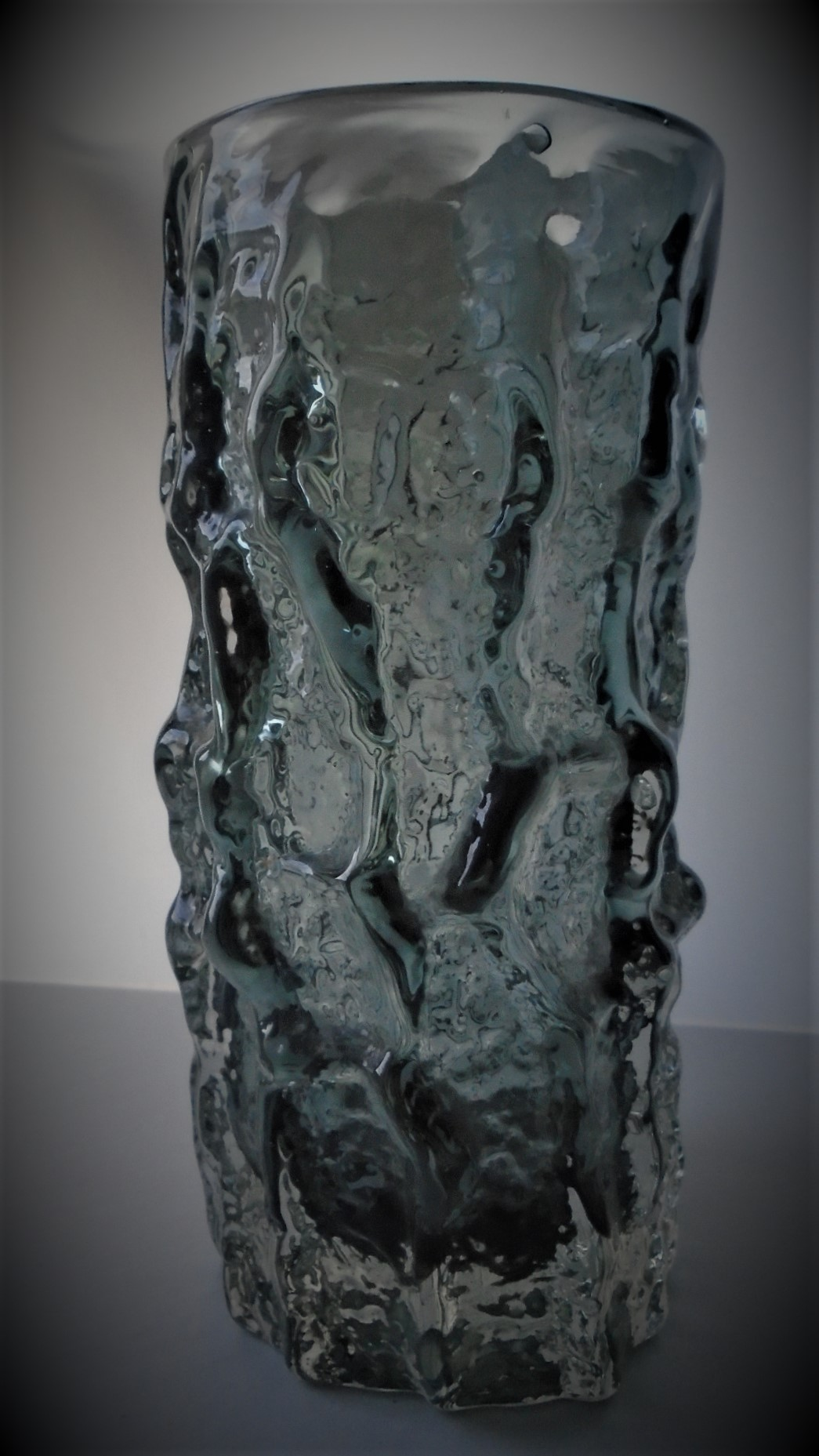 Super condition 6ins high vintage Whitefriars Bark Vase Catalogue No. 9690 in the Pewter colour way.
