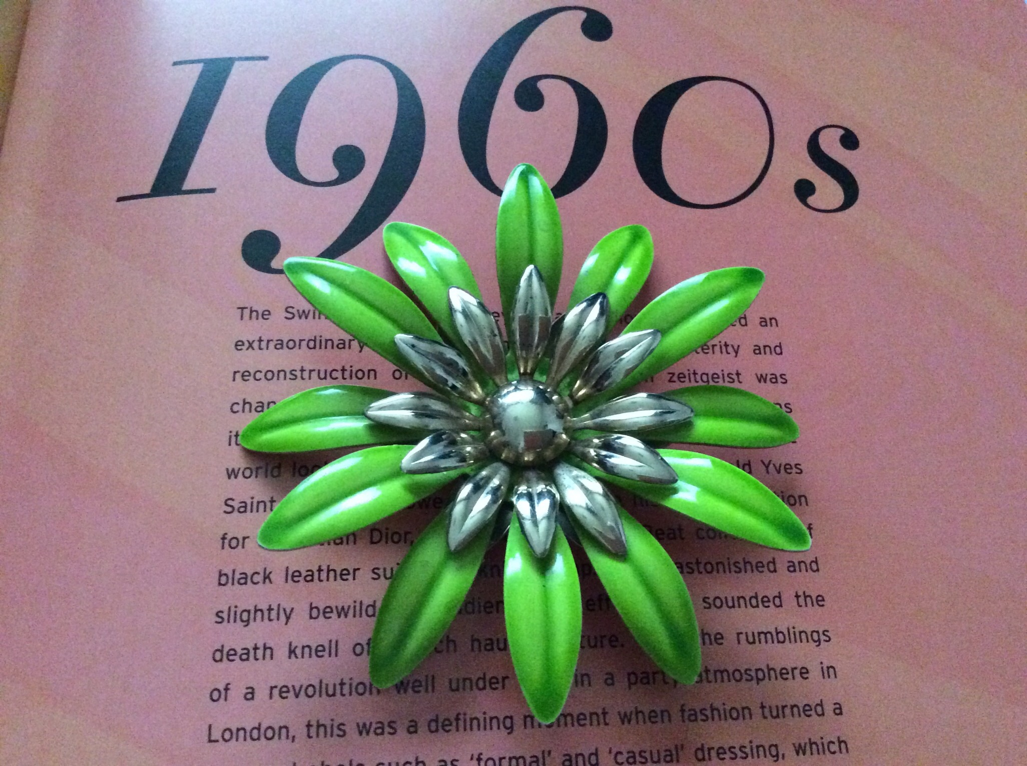 Rare 1960's Sarah Coventry Fasion Petals Lime Green Enamelled Brooch