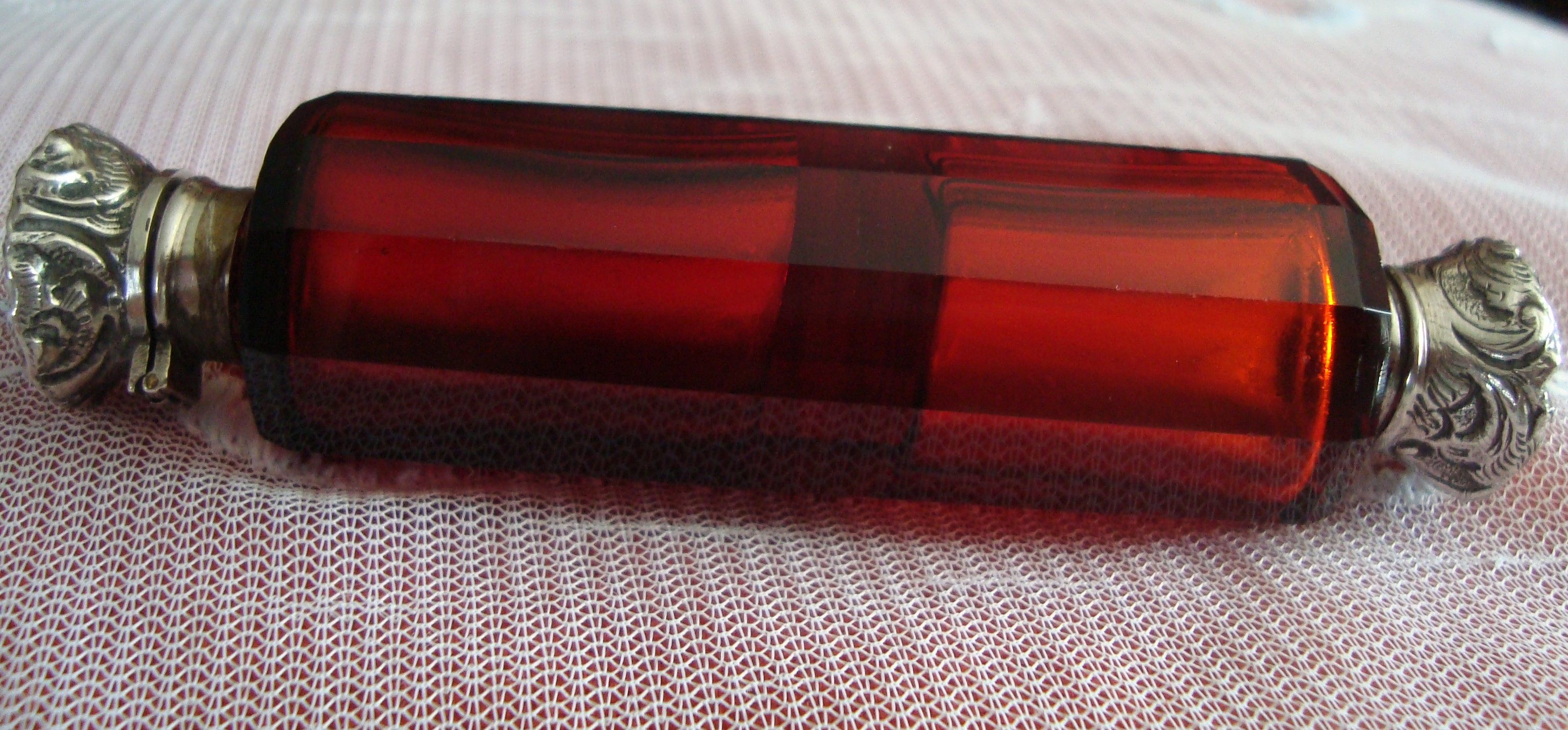 Stunning Victorian Ruby Double Ended Scent/Salts Bottle