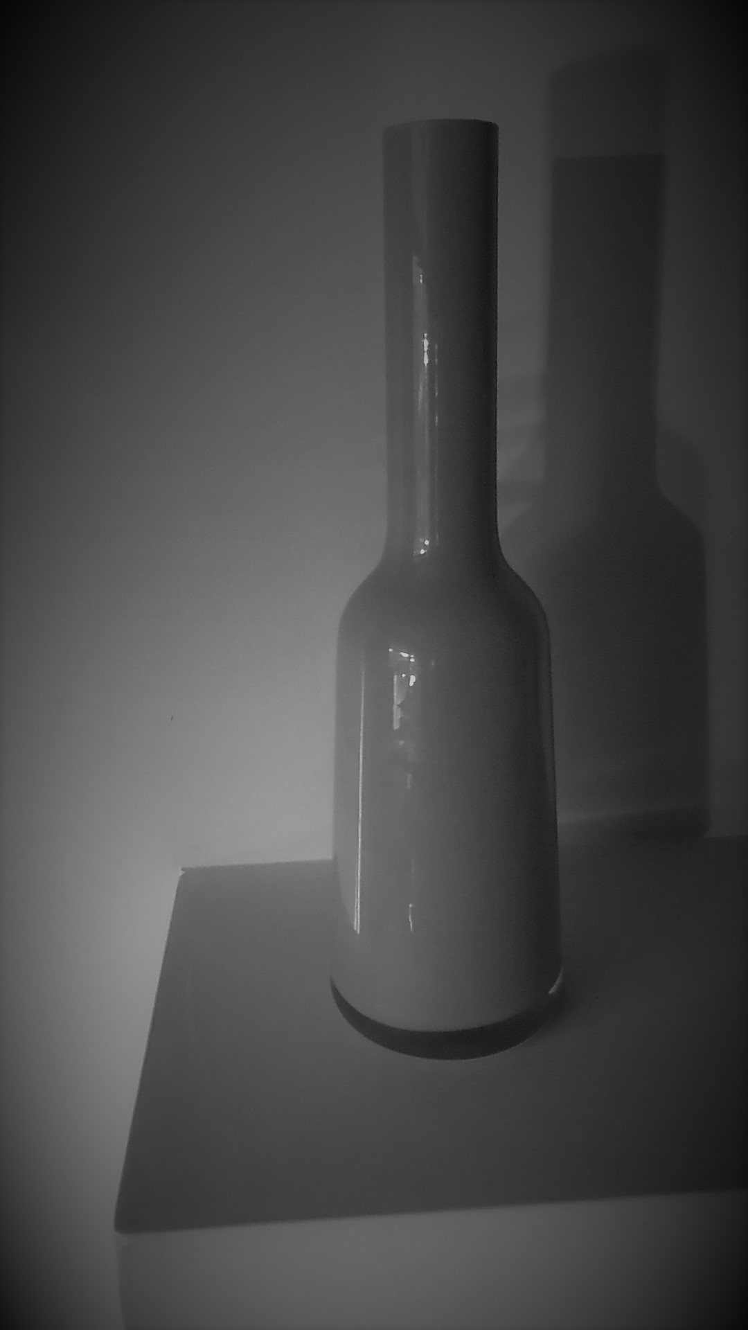 Superb 32mm tall Villeroy&Boch Nek Bottle Vase in the Pure Stone Colourway