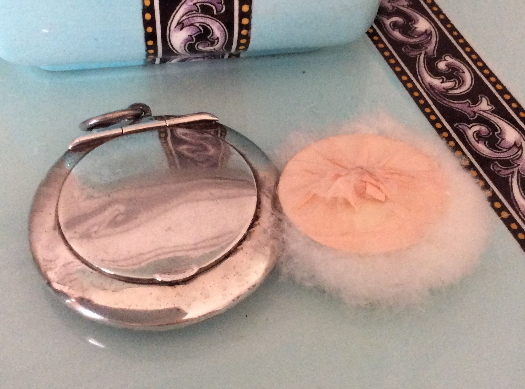 Beautiful 1918 Hallmarked Chester Silver Chatelaine Powder Compact