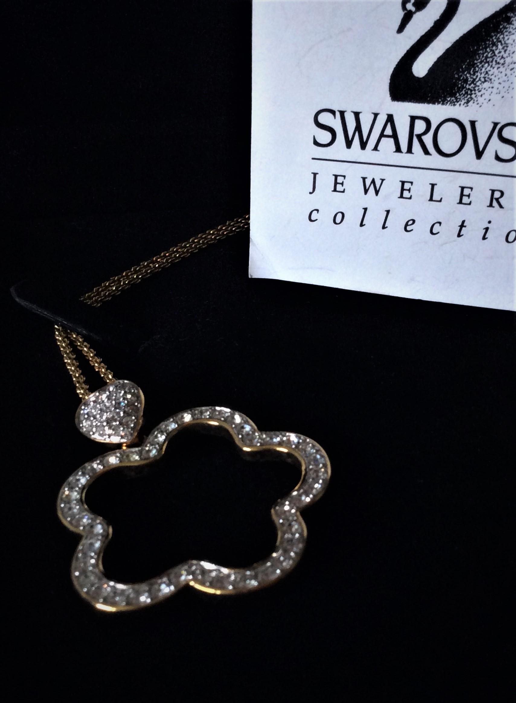 Vintage Gold Plated Signed Swarovski Crystal Flower Shape Pendant Necklace with original box