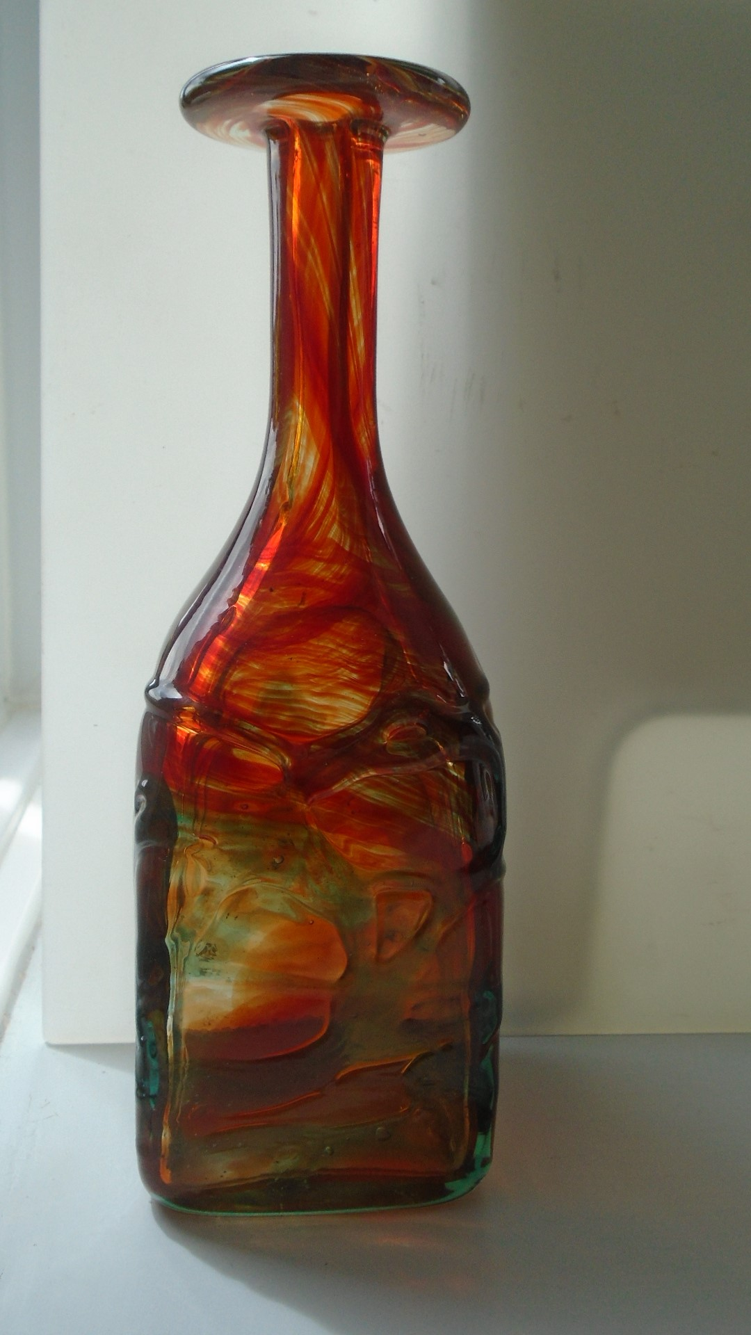 Stunning example of an 80s vintage Square Section Mdina Trailed Glass Bottle Vase.