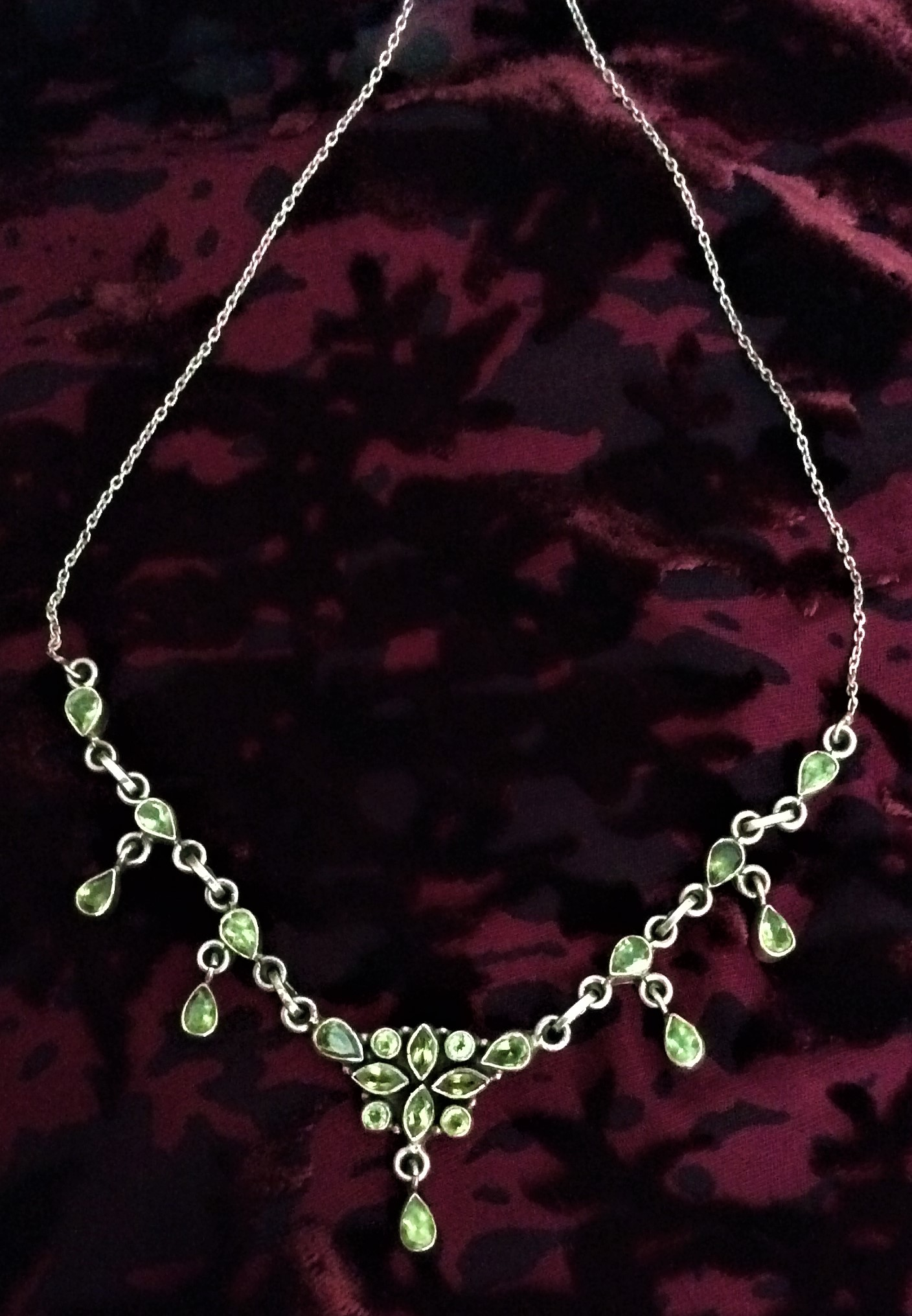 Very Pretty Art Nouveau Style Vintage 925 Silver and Peridot Necklet