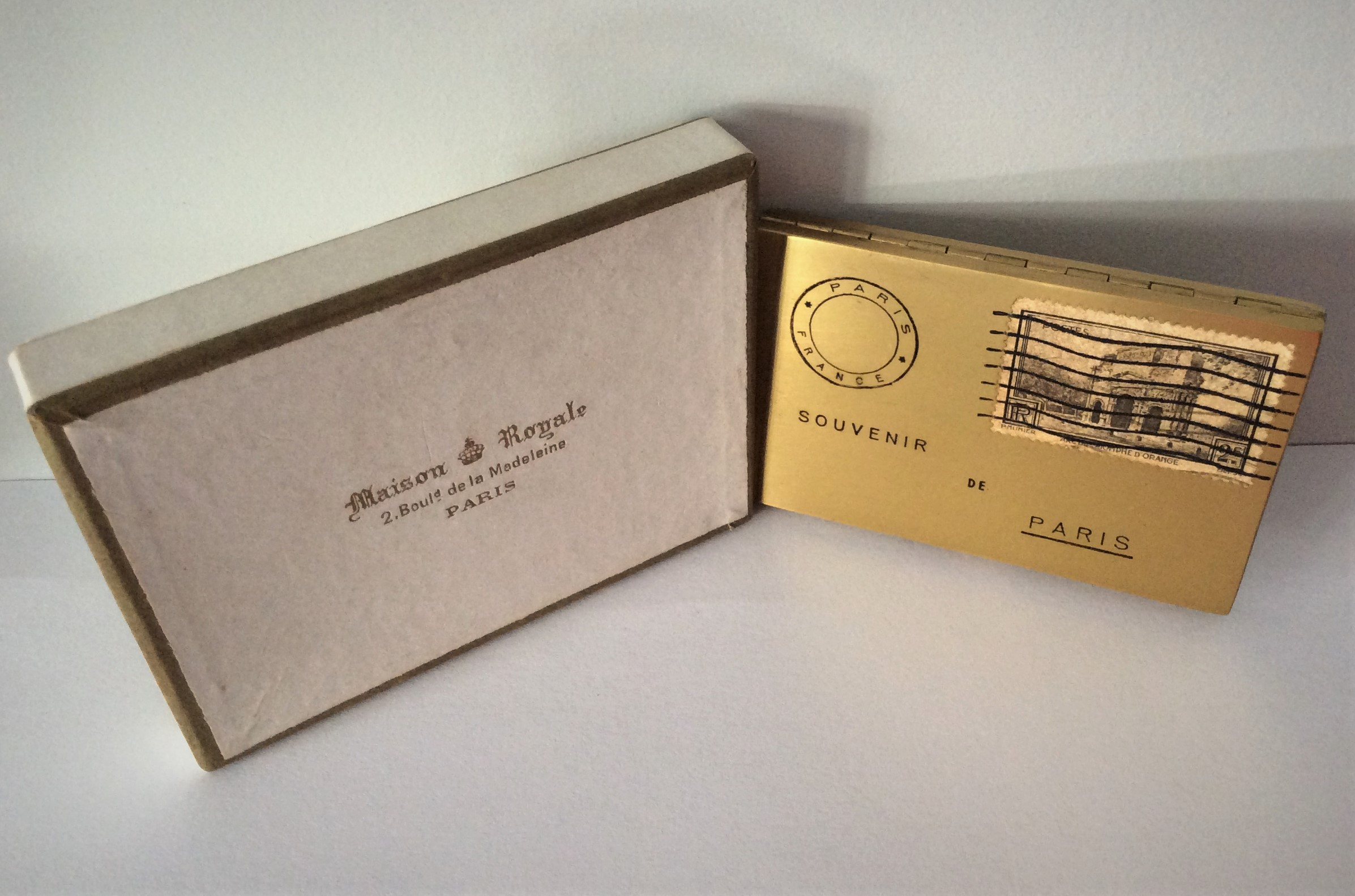 Rare Vintage Unused SOUVENIR DE PARIS Envelope Powder Compact with 1938 2f Postage Stamp