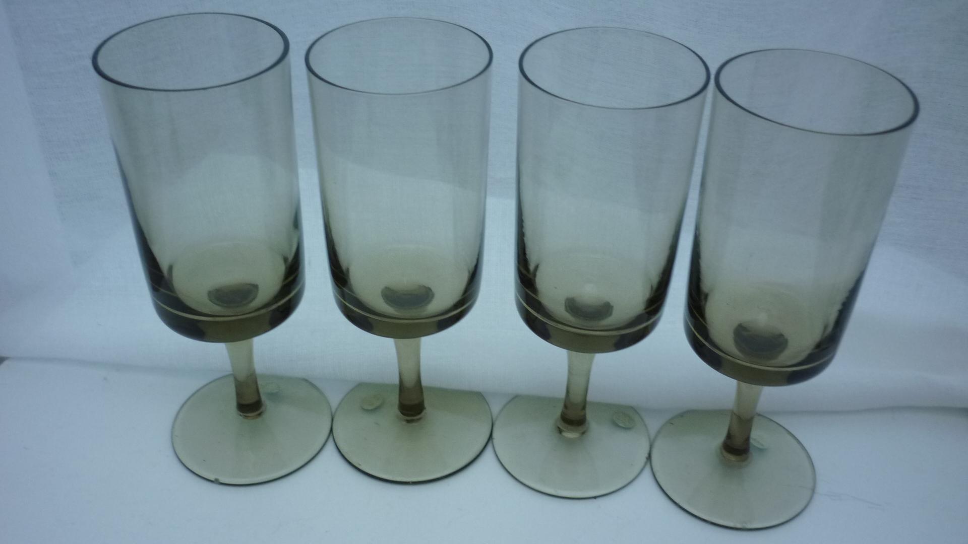 4no. mid 20th Century Scandinavian style smokey straight sided white wine glasses.