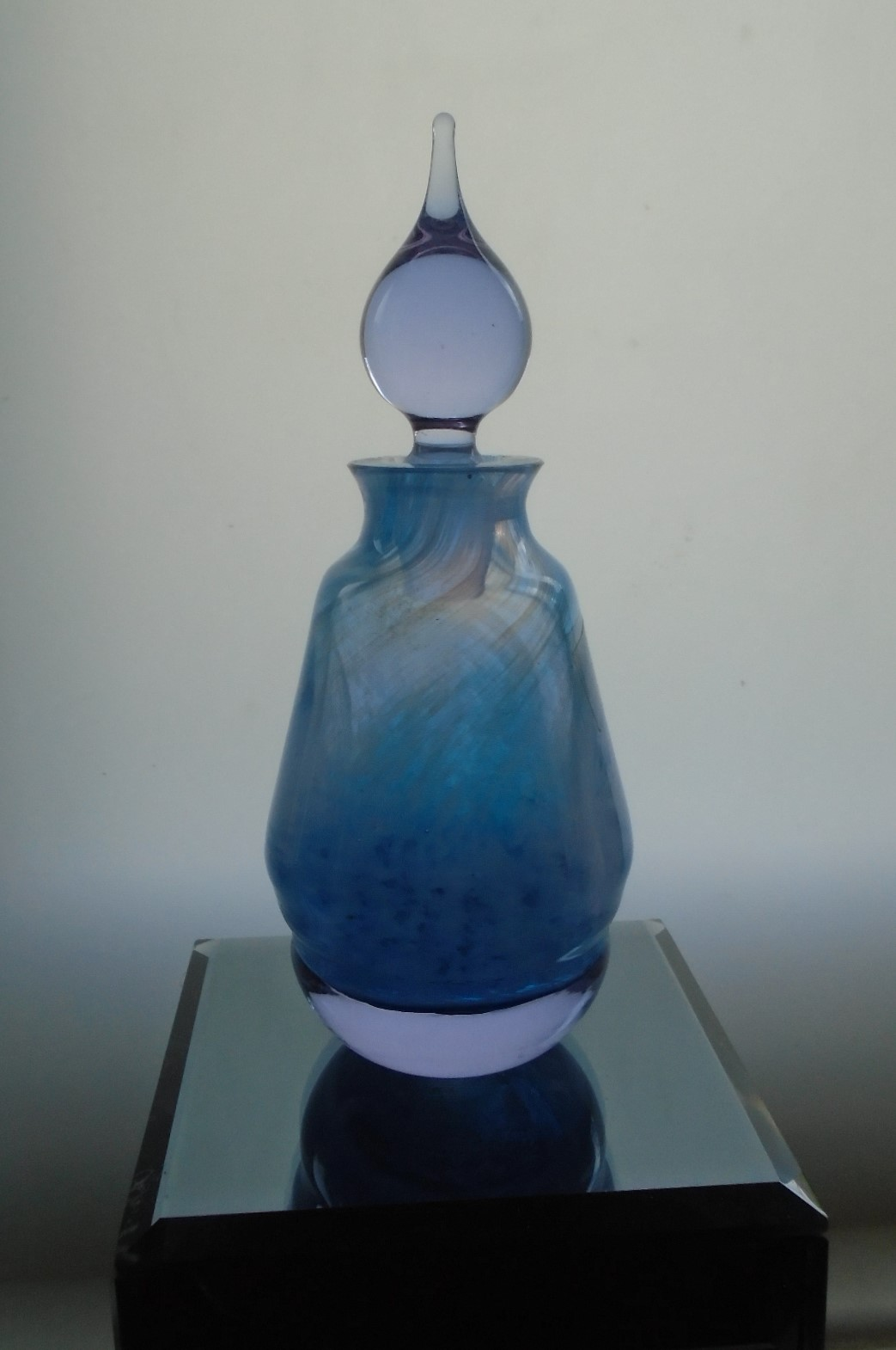Pretty Caithness Stoppered Perfume Bottle. Its in good condition including the stopper.