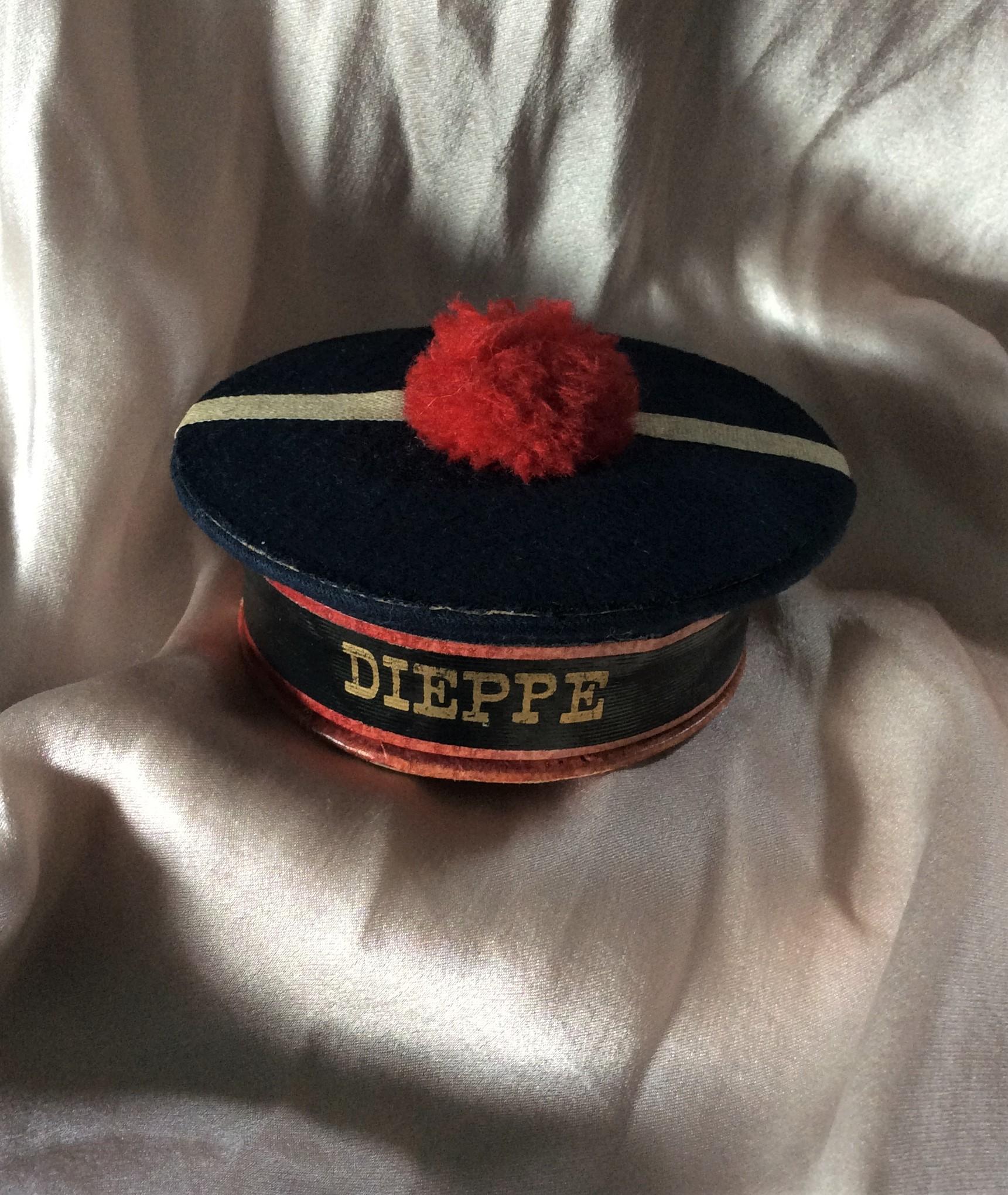 Rare Vintage Novelty DIEPPE French Beret Powder Vanity Box