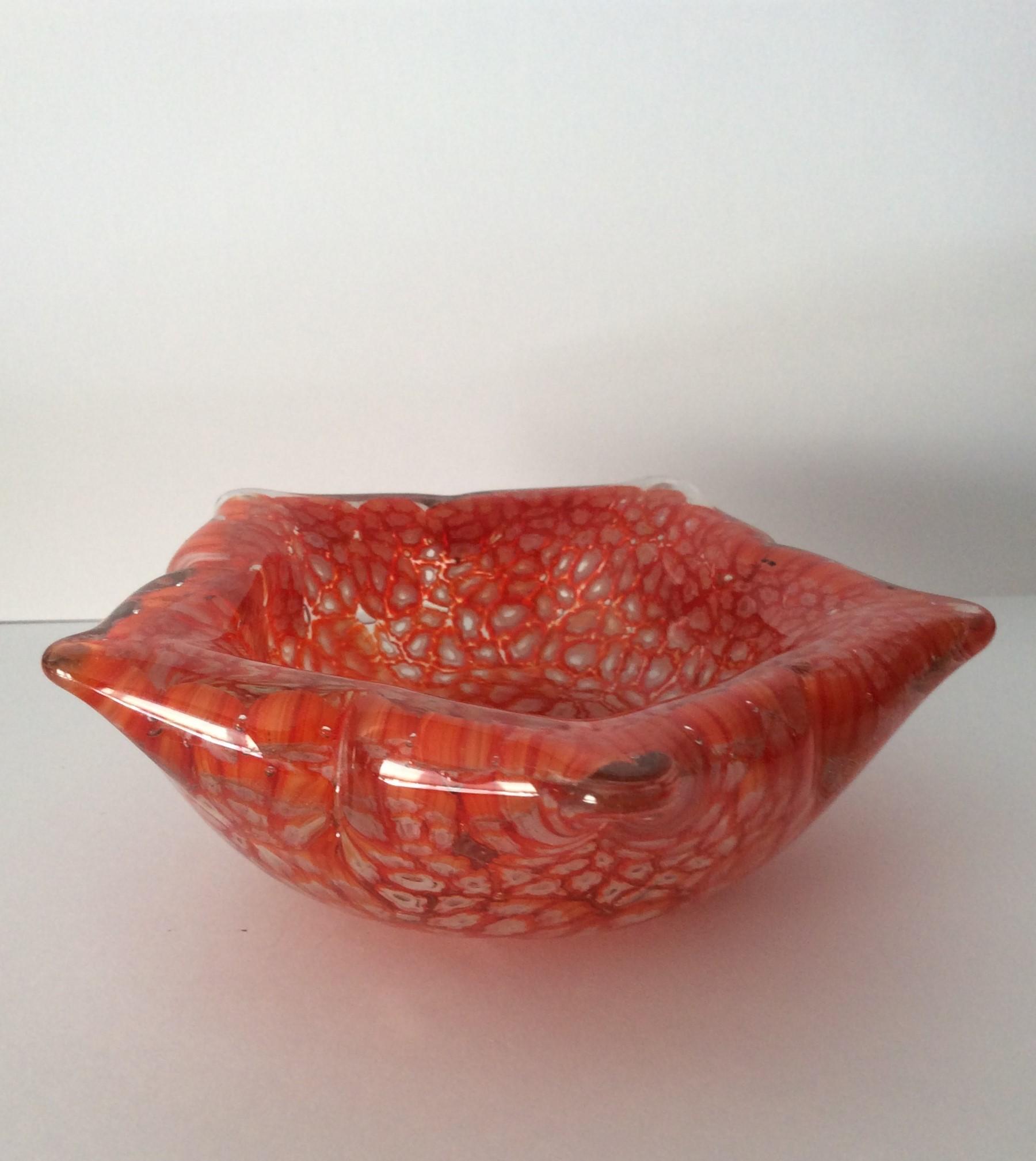Small pretty Murano Style 5 pointed rim glass bowl