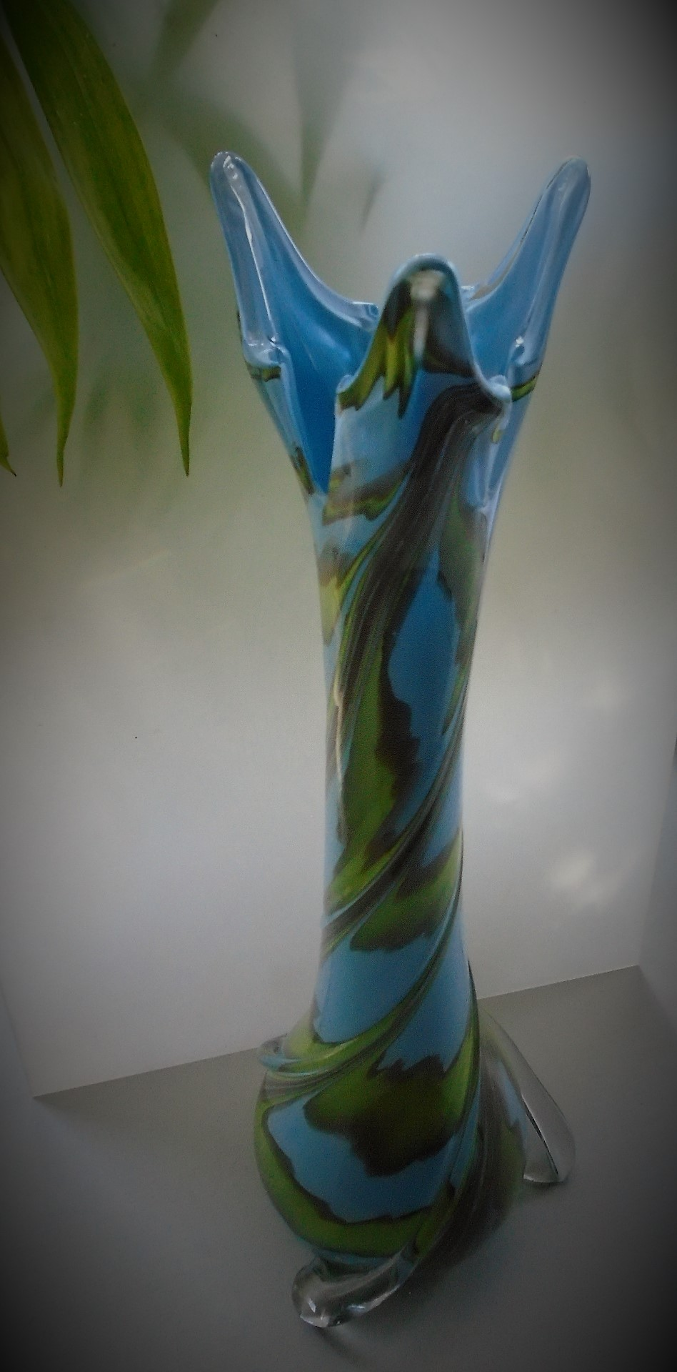 Stunning 60s vintage Empoli Cristalleria Fratelli Betti Sky Blue and Grass Green  Glass vase with clear glass ribbing spiraling from the base