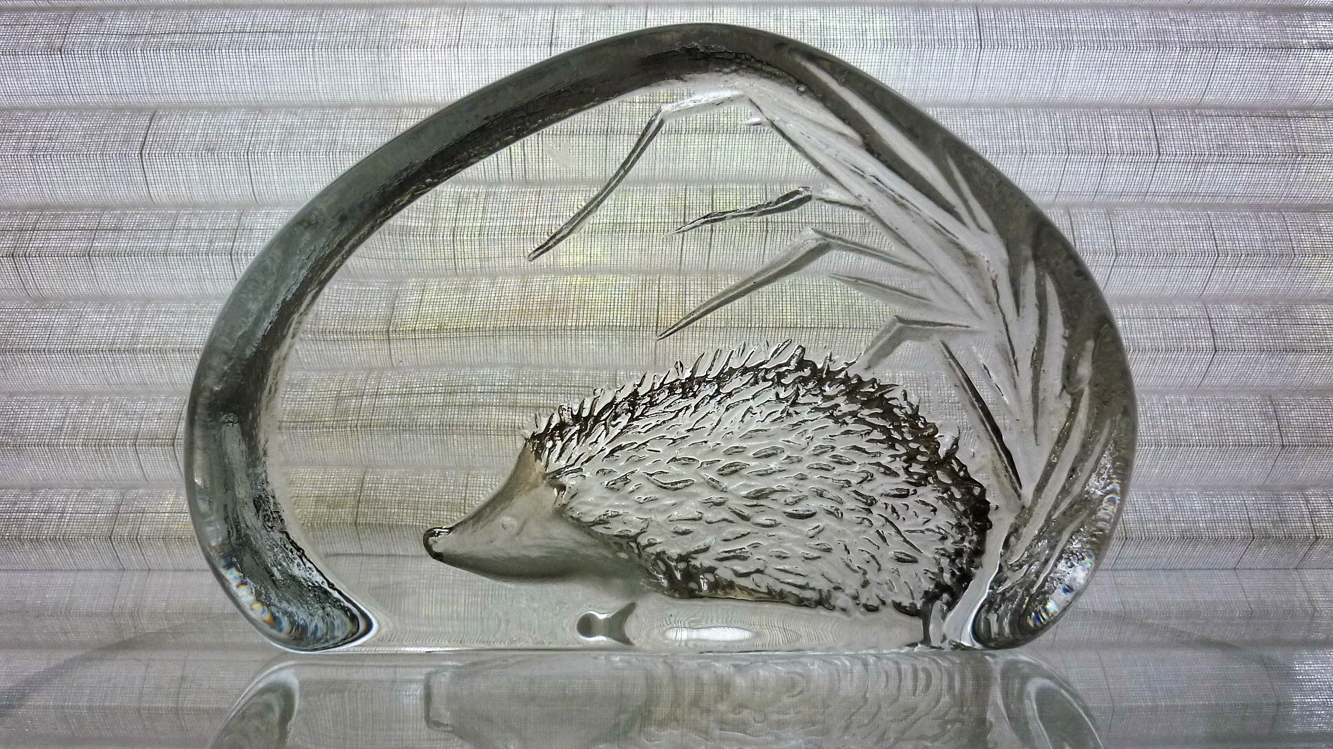 "Mats Jonasson full lead glass paper weight of a ""Hedgehog""."