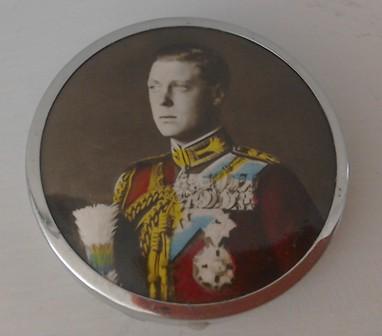 Rare Edward V111 Commemorative Coronation Powder Compact
