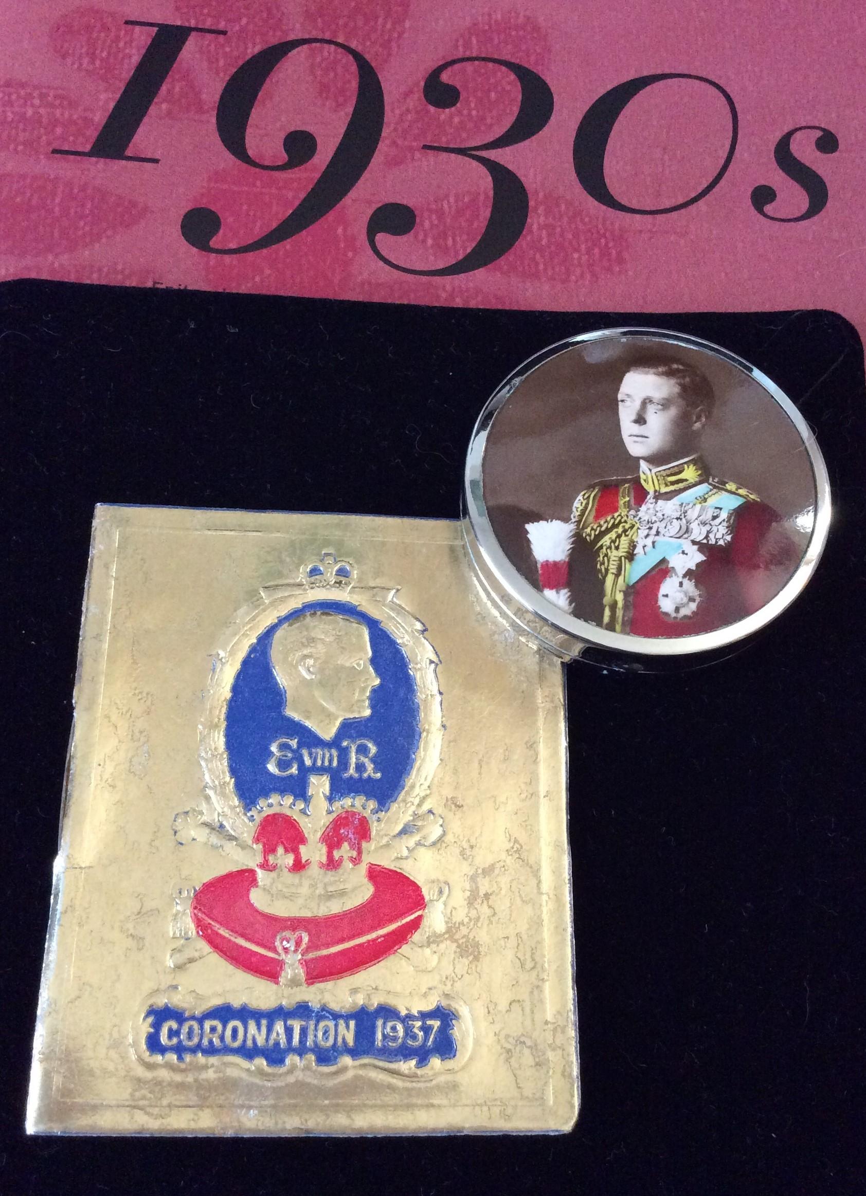 Rare Edward V111 Coronation Powder Compact with Souvenir Coronation Calendar Booklet