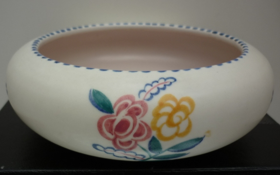 A 50s Vintage Poole Pottery traditional sprig pattern vintage dish.