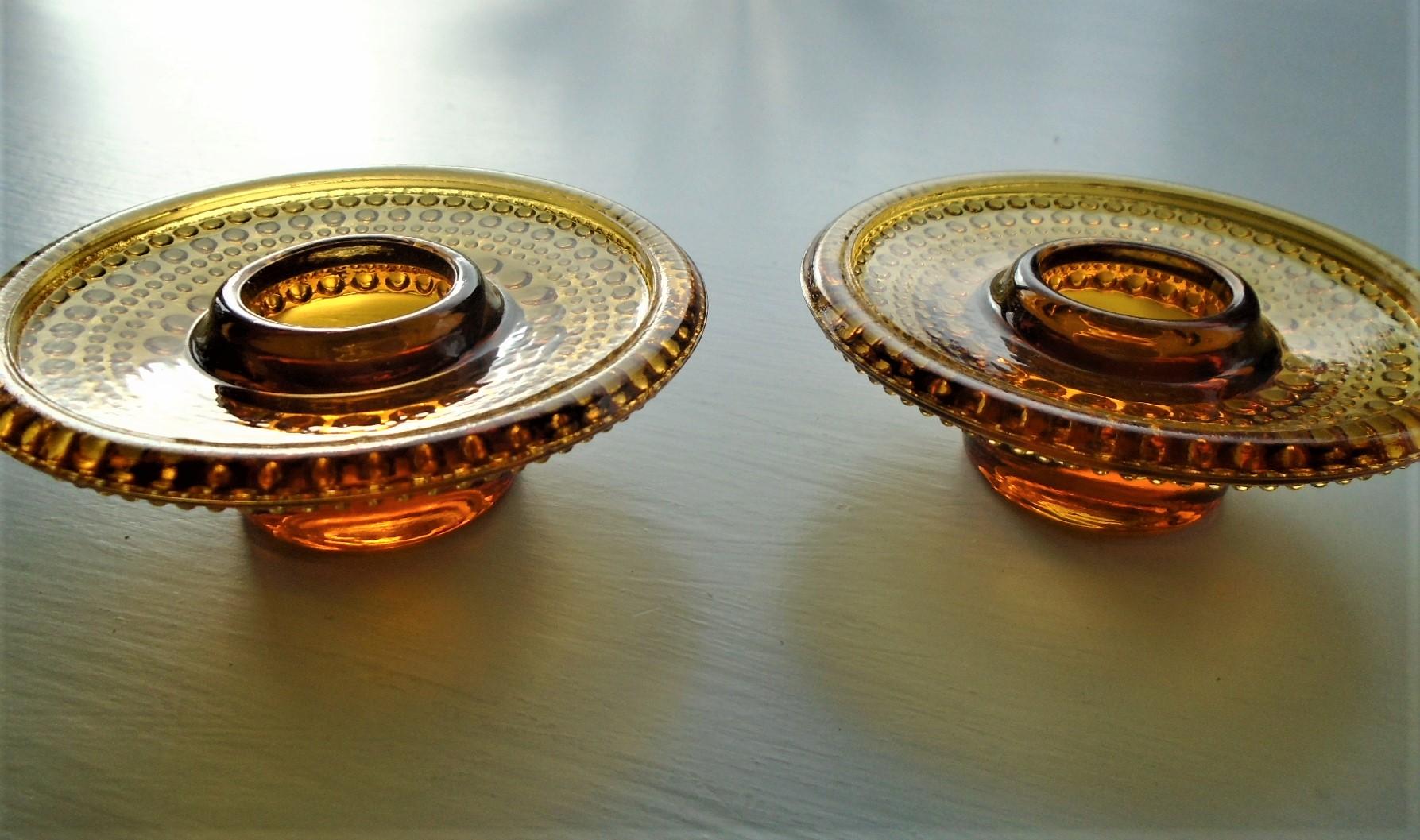 Pair of exquisite vintage amber Iittala Kastehelmi candle holders by Oiva Toikka.