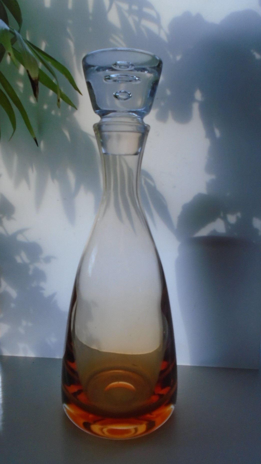 Classic Wedgwood/Kings Lynn Glass Ronald Stennett-Willson 12ins high Decanter RSW43