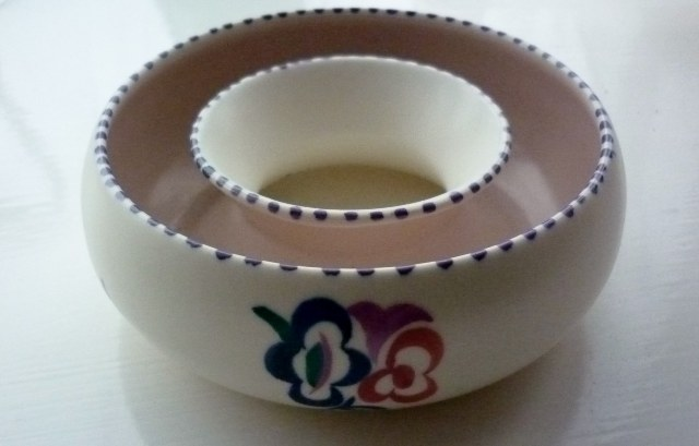 A 50s Poole Pottery traditional KG sprig pattern vintage round posy trough.
