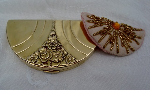 Vintage Lunette Brass Powder Compact