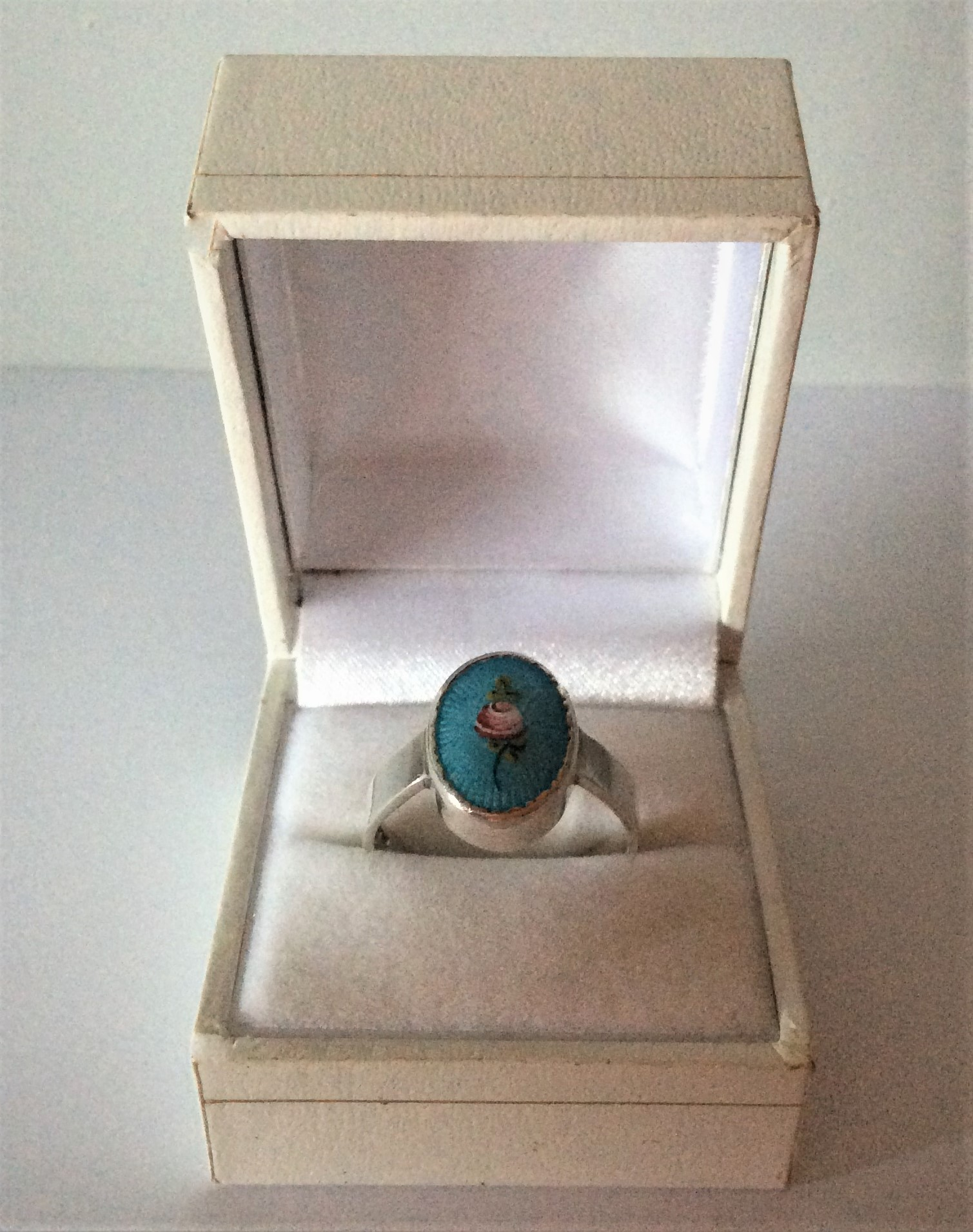 Charles Horner Mounted Sterling Silver and Turquoise with Pink Rose Design Guilloche Enamel Ring Size T (UK) Weight 6g        Condition: Very Good throughout including enamel.       Complimentary Vintage Ring Box included