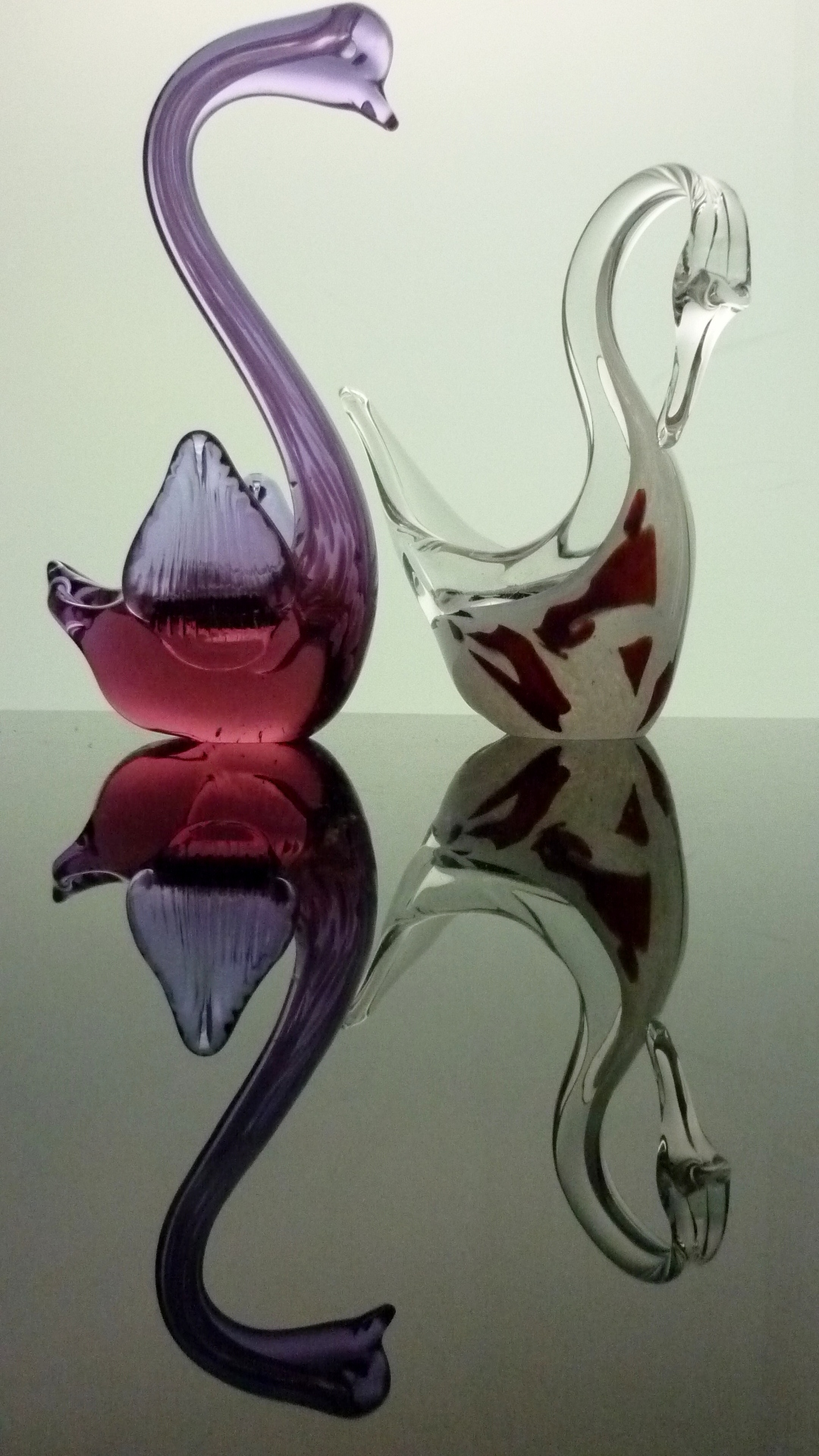 Two attractive Murano Glass Swan Figurines